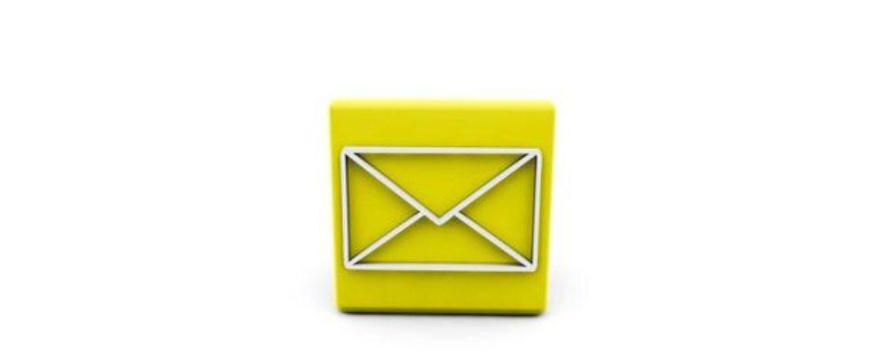 Sag's per E-Mail.