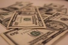 Studie: Wie verdienen Google und Facebook Geld?