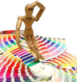 Farbwahl als Marketing-Instrument: Wie das Design den Verbraucher beeinflusst
