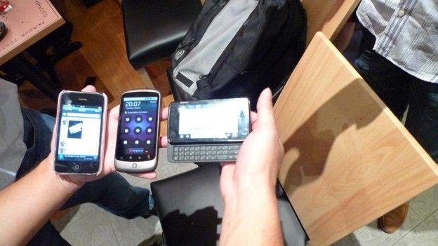 iphone-nexus-nokian900-6038124-o (1)