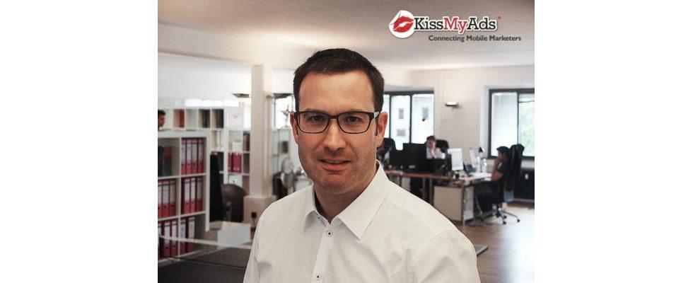 """""""Ich glaube, dass unser Nutzungsverhalten sich komplett in Richtung mobile Endgeräte verschieben wird"""" – Marc Ahr, KissMyAds-CEO"""