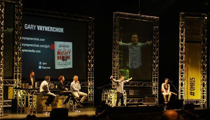 Gary Vaynerchuk, VaynerMedia, auf der Bühne des Hamburger Stage Theaters, © OnlineMarketing.de / Tina Bauer