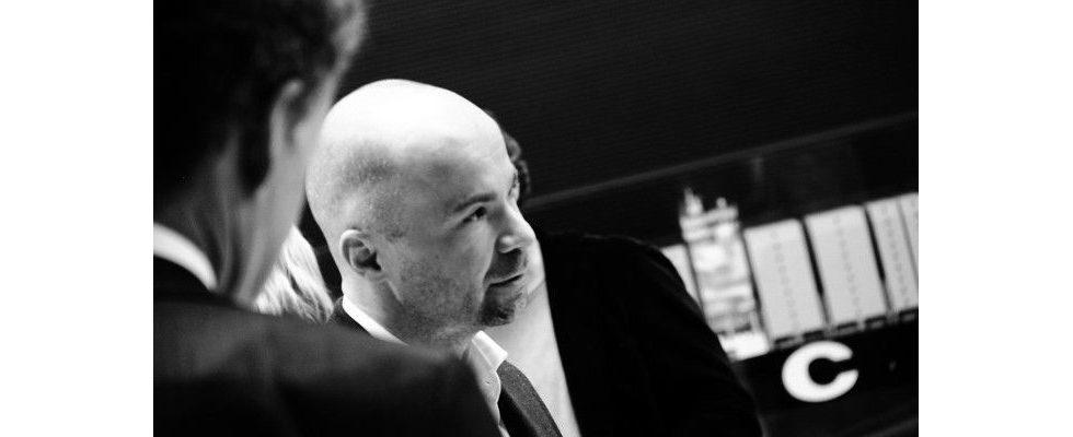 """""""Und dann habe ich den wahrscheinlich größten Fehler meiner unternehmerischen Karriere gemacht"""" – Christoph Schäfer, Performance Media"""