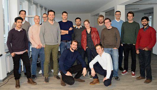 Das komplette Yieldlove-Team im neuen Büro