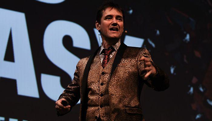 Dietmar Dahmen gab die Keynote bei den Adobe Digital Marketing Days in München © T. Bauer | OnlineMarketing.de