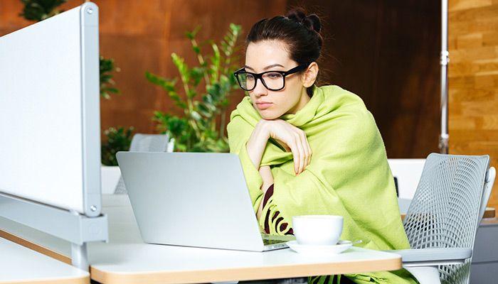 frieren im b ro so stehst du die kalte jahreszeit. Black Bedroom Furniture Sets. Home Design Ideas