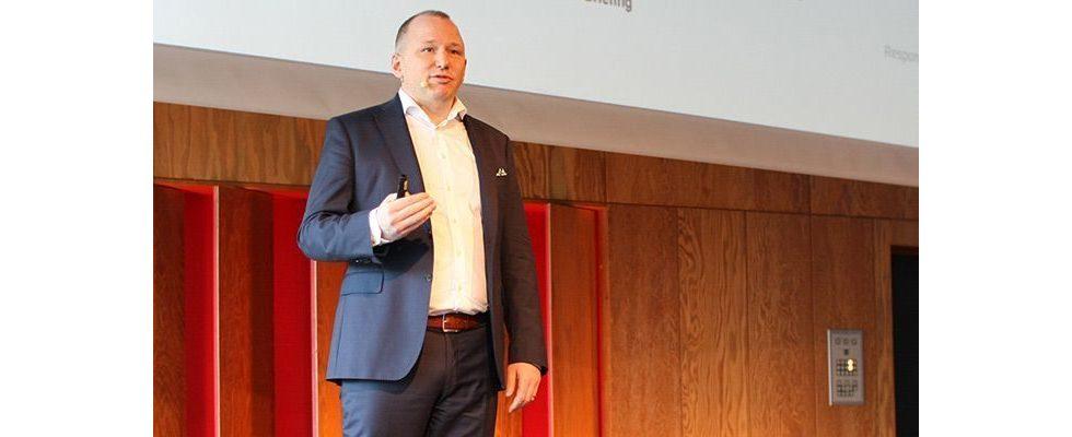 """""""Beim perfekten Kundenerlebnis geht's um die gesamte Journey"""" – Hartmut König, Adobe"""