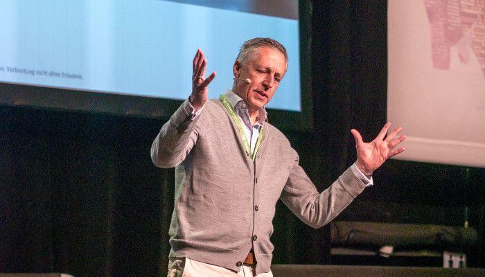 Searchmetrics Geschäftsführer Volker Schmid bei seiner Keynote