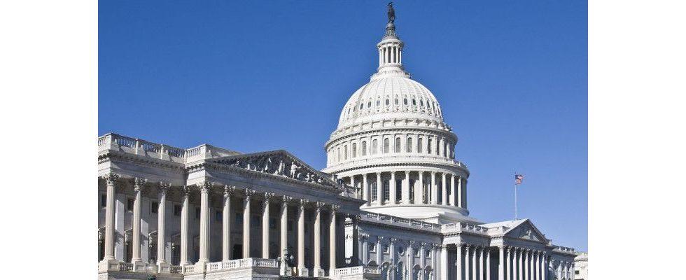 Geheimdienst eingeschaltet: Google, Facebook und Twitter sollen vorm US-Kongress zur Wahl aussagen