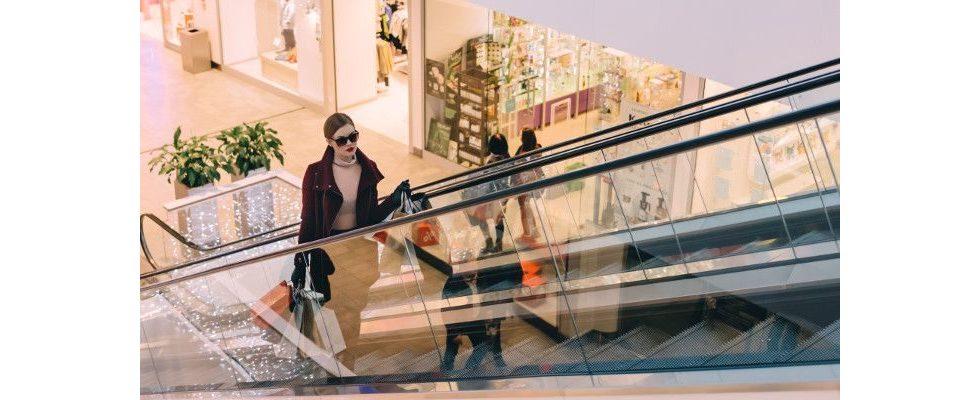 Cross-Channel-Shopping: Wer beim Shoppen den Kanal wechselt, ist unzufriedener