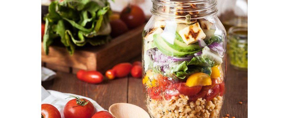 Diese Ernährungstipps halten dich im Büro fit und gesund – vor allem im Winter
