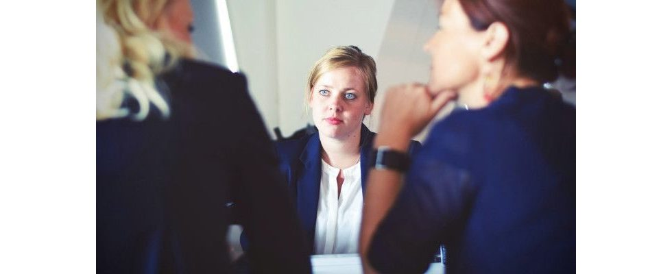 Strategien, um Killerfragen beim Bewerbungsgespräch zu überleben