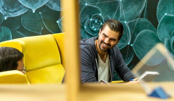 Influencer im B2B-Marketing: Der Grat zwischen Reichweite und Glaubwürdigkeit | OnlineMarketing.de