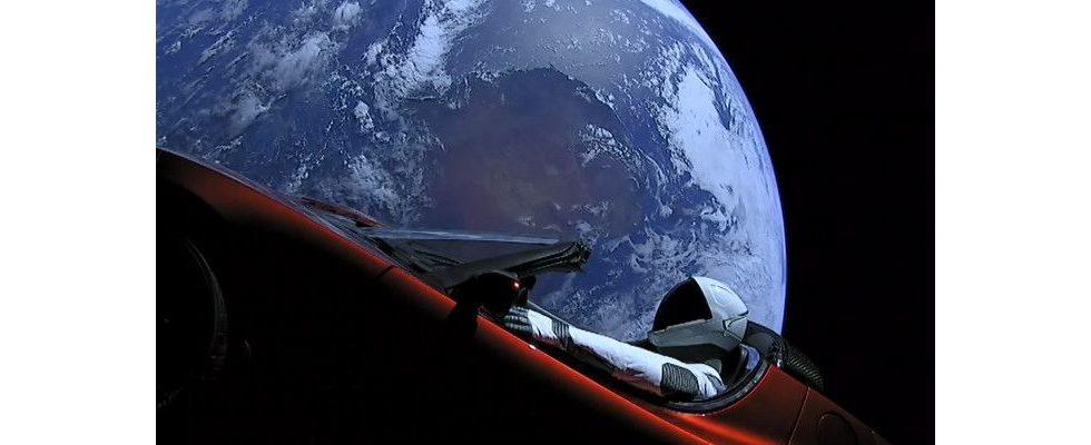 Werbung nicht von dieser Welt: Teslas Bühne ist das All