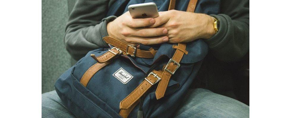 Empfehlungen als Kaufimpuls: Junge User vertrauen auf ihre sozialen Netzwerke