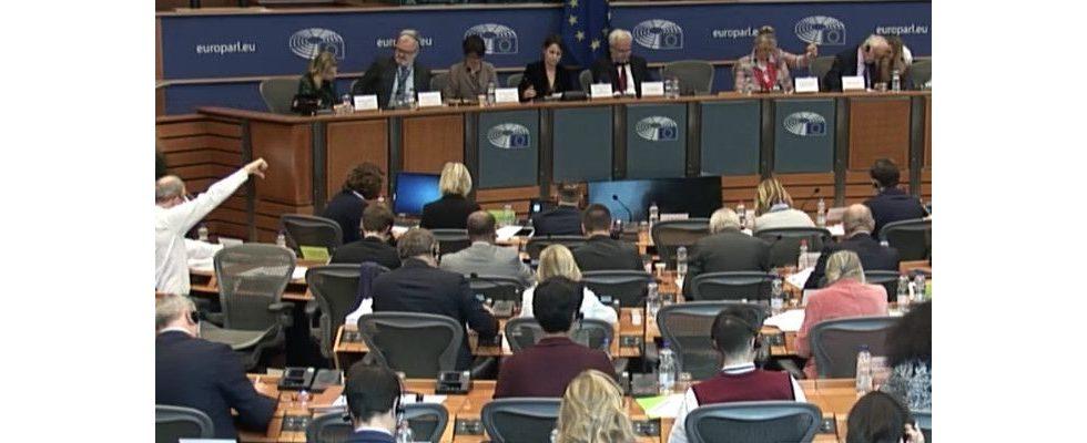 Der EU-Rechtsausschuss stimmt für Upload-Filter und das Leistungsschutzrecht für Verlage