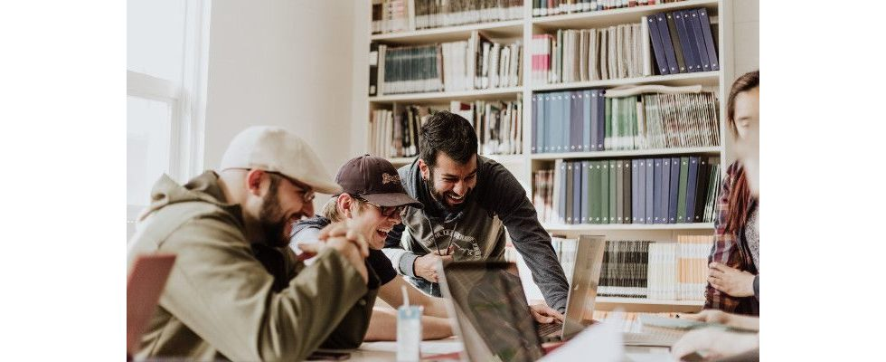 Kritikfähigkeit, Teamgeist, Zuverlässigkeit – Warum Soft Skills den Erfolg deiner Bewerbung bestimmen