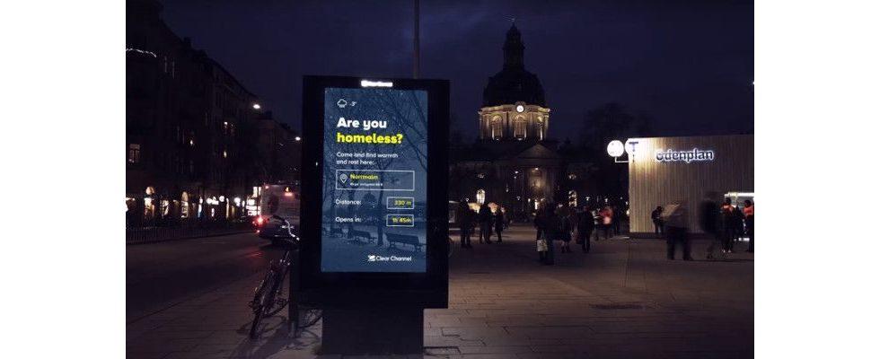 In Stockholm wird Werbefläche zum Navi für Obdachlose, wenn es friert