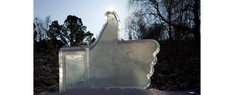 Facebook: Wegschmeißen oder reparieren? Happy Birthday, blaue Weltmacht!