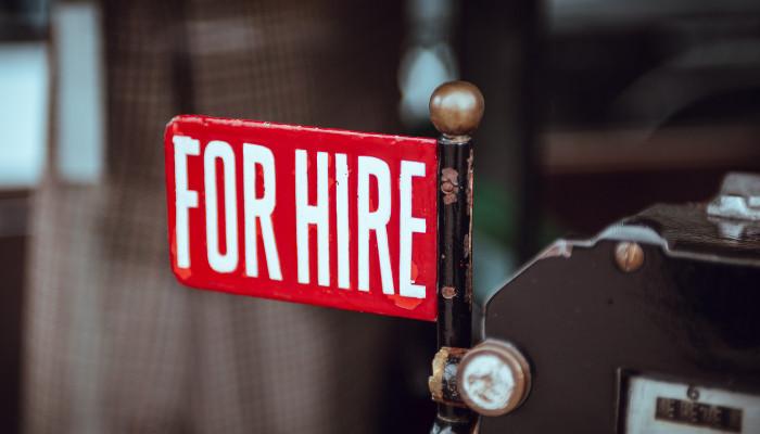 Floskeln oder kreative Werbefehltritte – Recruiting als Herausforderung