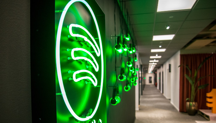 Spotify Logo an einer Wand