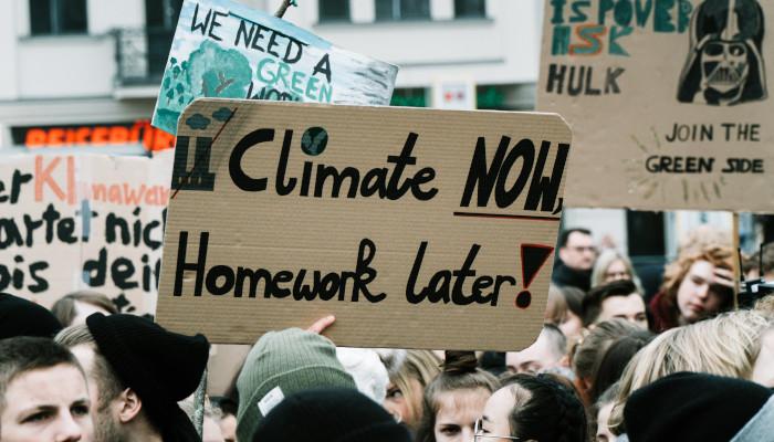 #FridaysForFuture: Heute Demonstration statt Schule, später Selbstverwirklichung statt Arbeit