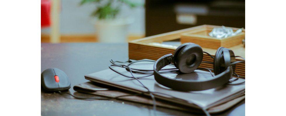 Antenne Bayern springt mit eigenem Label auf den Podcast-Zug auf