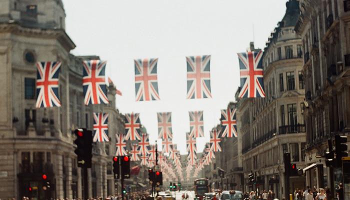 Auch Großbritannien plant Regulierung von Gewaltinhalten bei Social Media – | OnlineMarketing.de