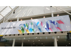 Schild in Halle: Adobe Summit EMEA 2019