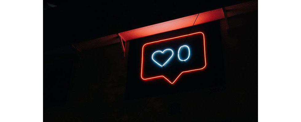 Heiß begehrt: Pinterest und Co. schalten jetzt auch auf Dark Mode