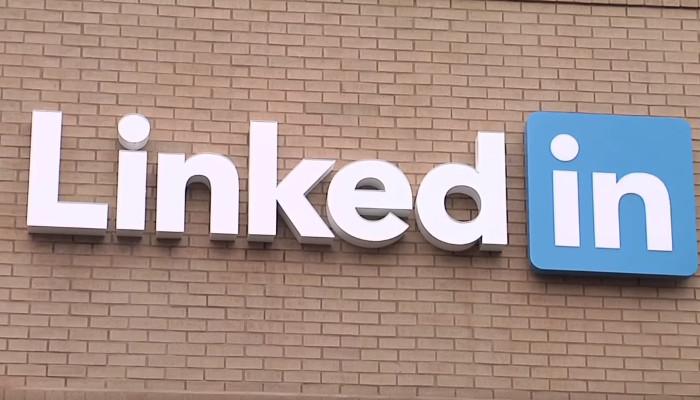 Charmante Alternative zur Kaltakquise: 9 B2B Social Selling Tipps für LinkedIn