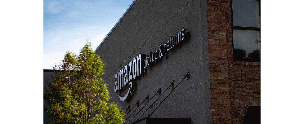 Amazon-Mitarbeiter streiken am Prime Day