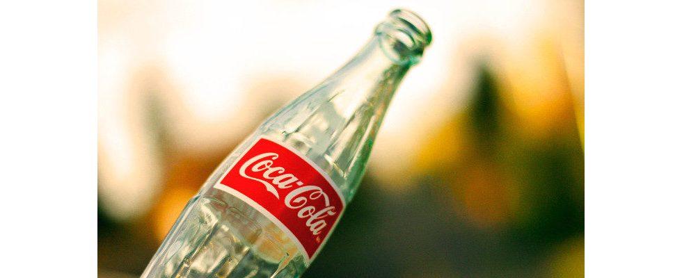 Wie Coca-Cola die eigene Marke für eine gewagte Recycling-Kampagne einsetzt