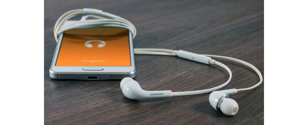 26 Prozent hören Podcasts in Deutschland – meist aber nicht zu Ende
