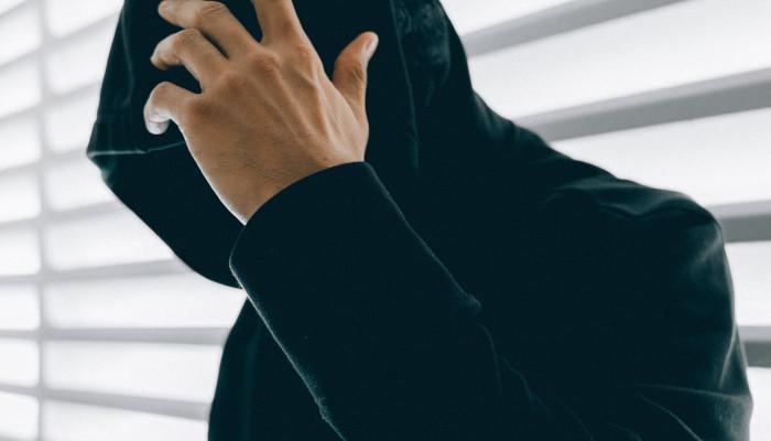 Es war einmal … Asher Burke, der Millionen mit Facebook-Betrug abzockte | OnlineMarketing.de