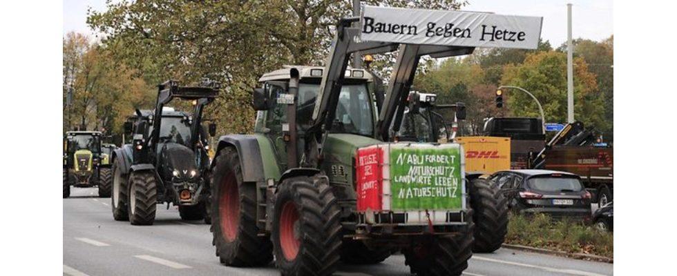 Kurz erwähnt: Trecker-Chaos in Norddeutschland