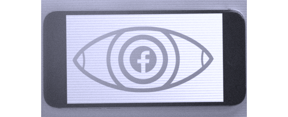 Big Brother Facebook: iPhone User beim Scrollen beobachtet