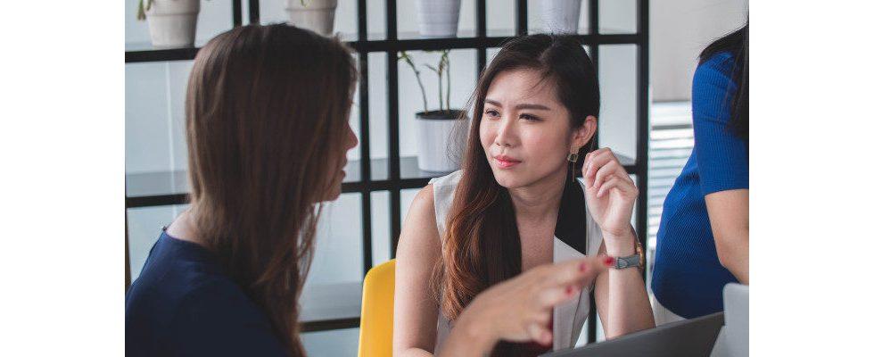 Von Sex bis Krankheit: Die 9 häufigsten No-Go-Themen im Büro