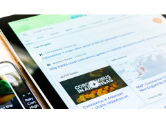 Coronavirus News auf Tablet