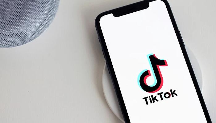 TikTok auf Smartphone