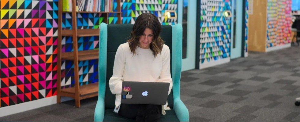 Facebook gibt Tipps für Untertitel und mehr Engagement im Video