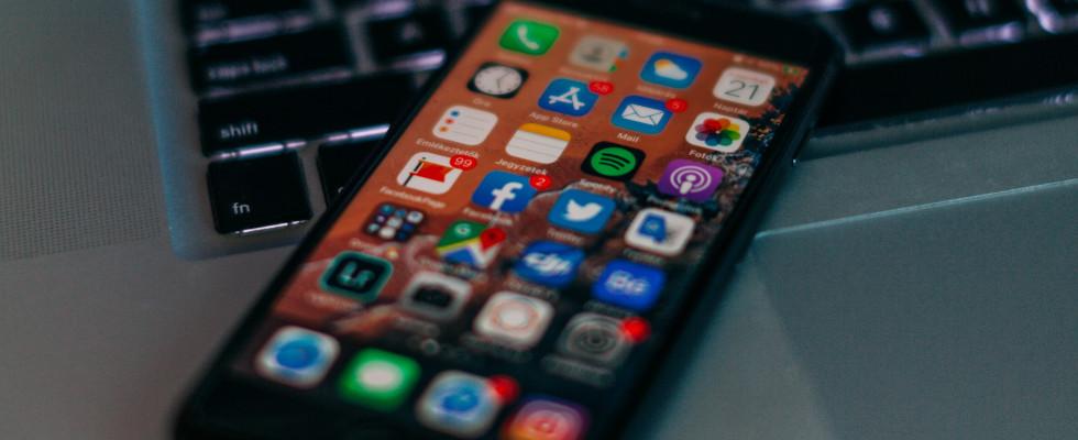 Google, Facebook und Co.: Tech-Riesen fordern rechtliche Absicherung bei Entfernung von illegalem Content