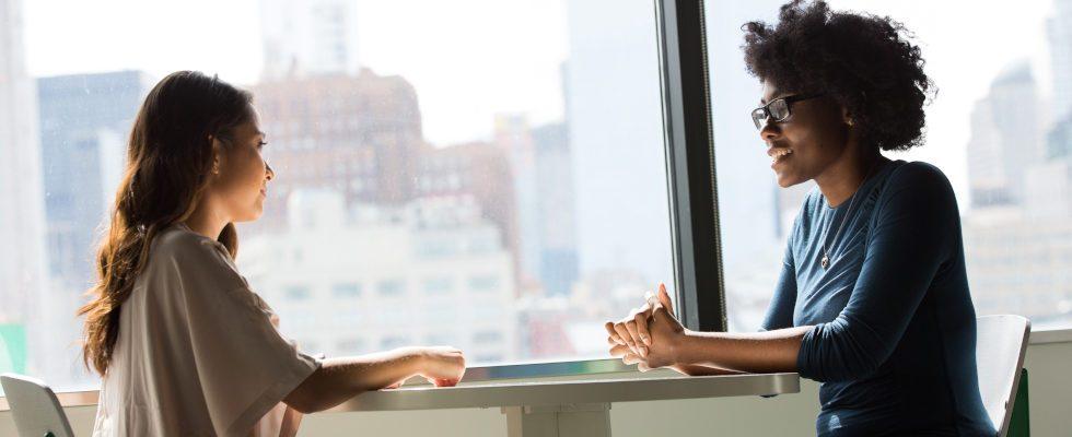 4 Wege, um endlich zum Job Interview eingeladen zu werden