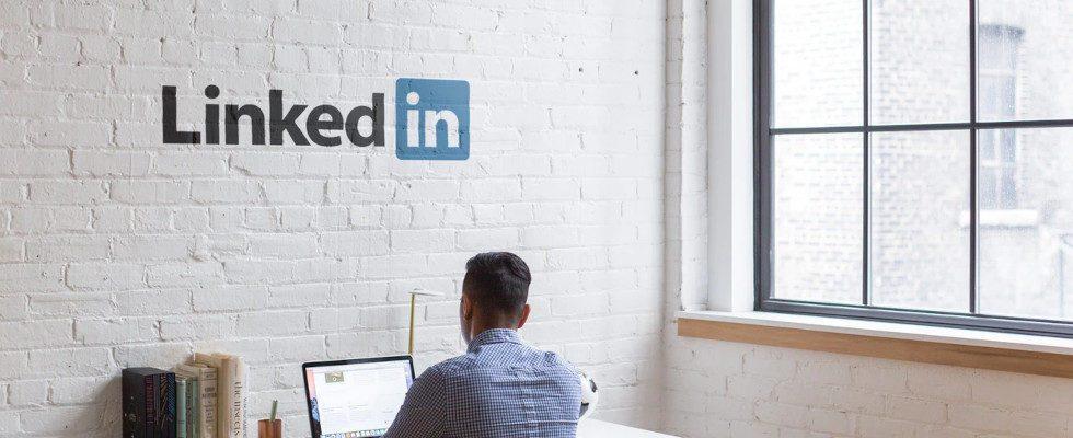 LinkedIn präsentiert die 5 wichtigsten Hard Skills für Jobsuchende – und liefert passende Kurse