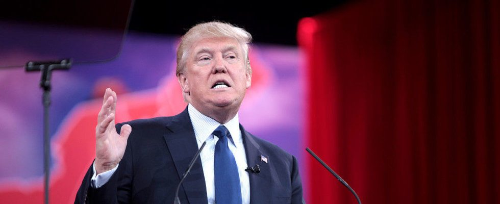 YouTube friert Donald Trumps Account für eine weitere Woche ein