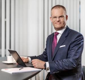 Dr. Axel Kallmayer
