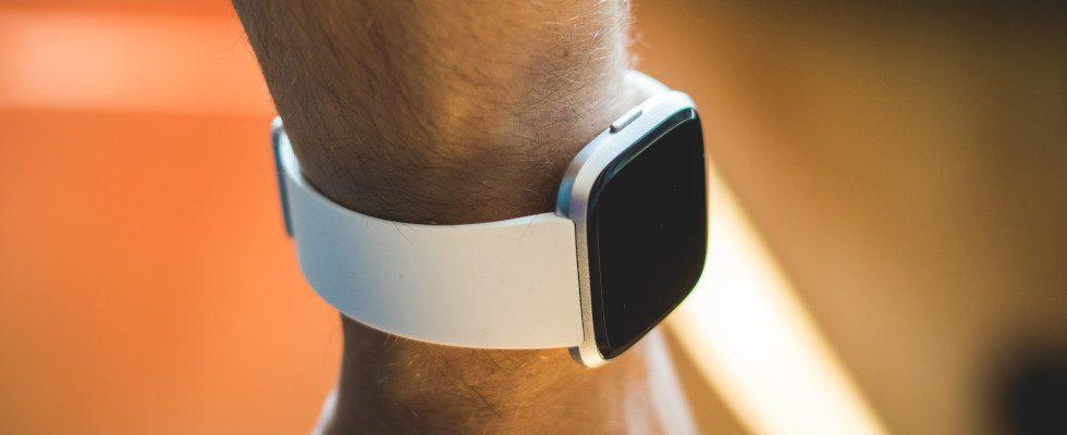 Prozess abgeschlossen: Fitbit ist von Google übernommen