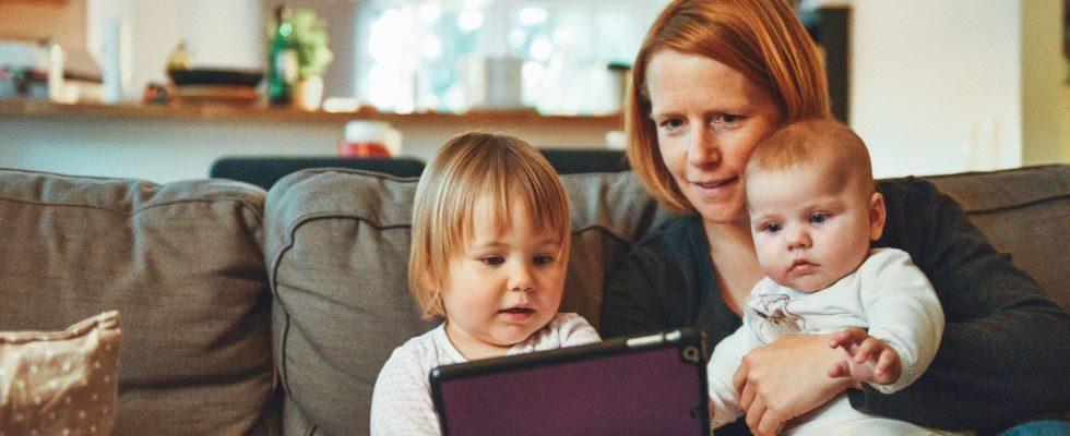 Doppelbelastung durch Home Office und Kinderbetreuung: Immer mehr Eltern erwägen Job-Wechsel