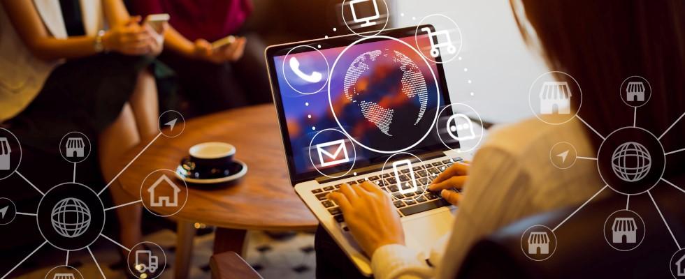 Webinar: Erfolgreiche Multichannel-Strategie mit einer DXP und Push Notifications