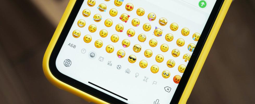 Welt-Emoji-Tag: So helfen dir die Bildchen eine Bindung zu deinen Kund:innen aufzubauen